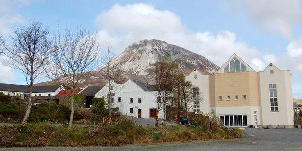 The Dunlewey Centre : Ionad Cois Locha