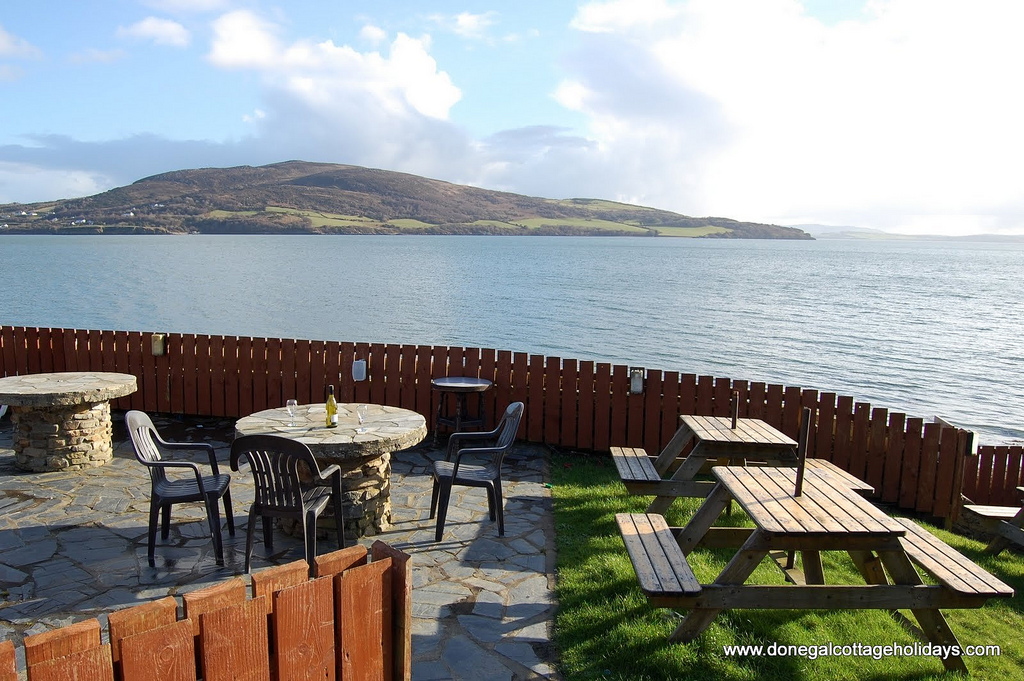 Beer garden of the Beachcomber Bar - Rathmullan