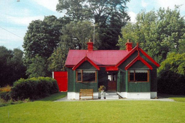 Annie's Cottage - Churchill