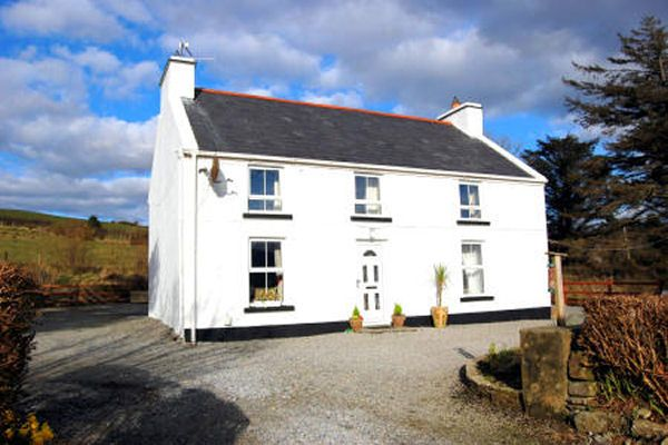 Ard Na Mara Farmhouse Ardara Self Catering Cottage In