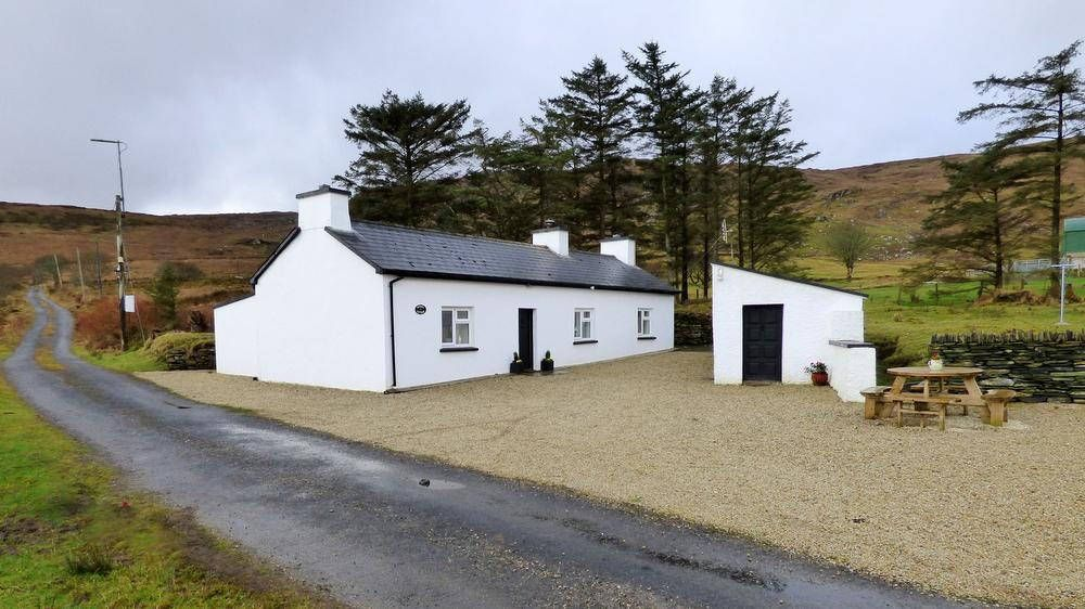 Denis's Cottage - Ardara