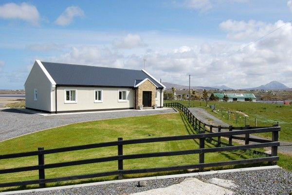 Machair Beach Cottage - Kincasslagh