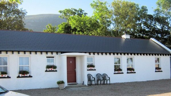 Mia's Cottage, Clonmany, Malin Head  Co Donegal