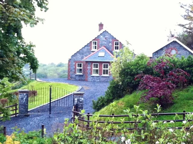 Moagh Cottage - Ardara
