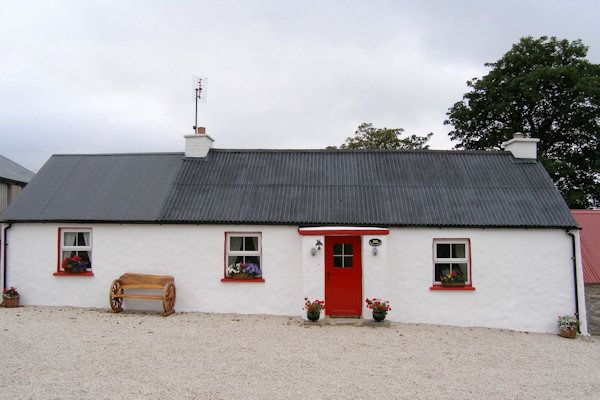 Sarahs Traditional Cottage, Letterkenny