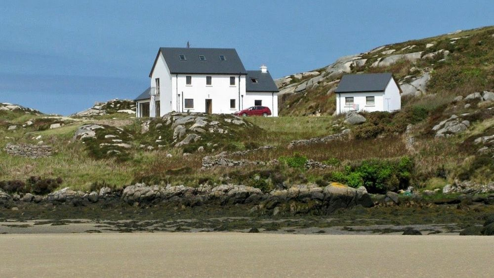 Rottytoy Beach House - Bunbeg