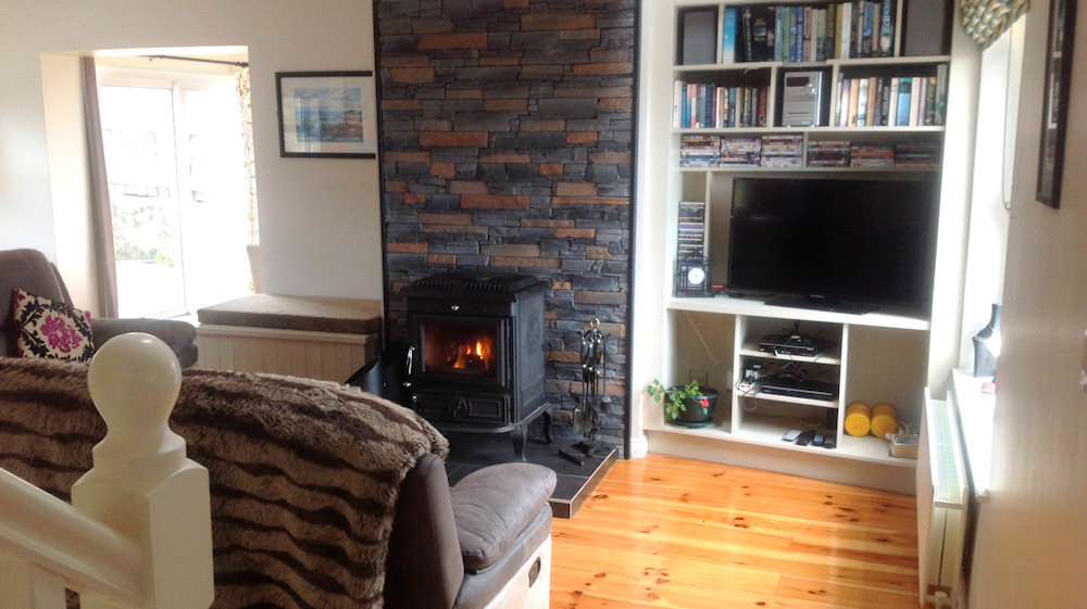 Glashedy View Ballyliffin - living area with solid fuel stove