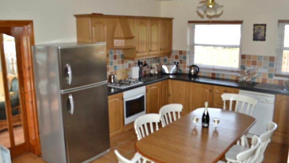 Cluain Mor House Portsalon - kitchen