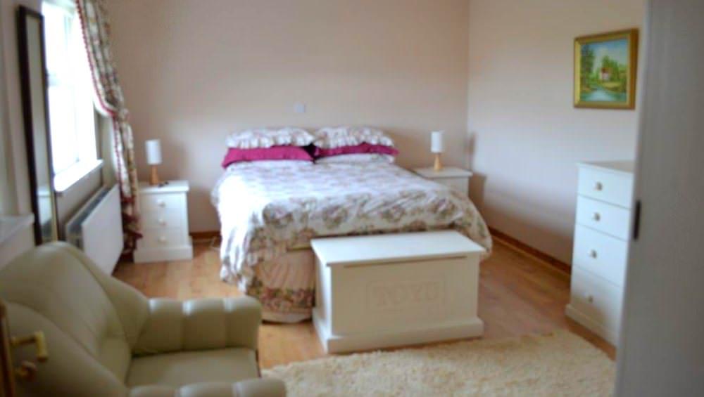 Cluain Mor House Portsalon - bedroom