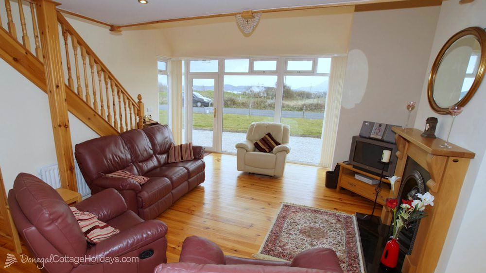 Muckish View Holiday Home - living area