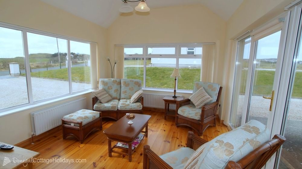 Muckish View Holiday Home - sun room