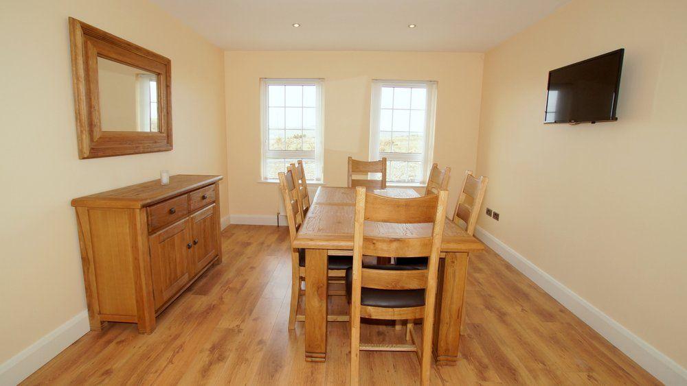 Inish House Malin Head - dining area