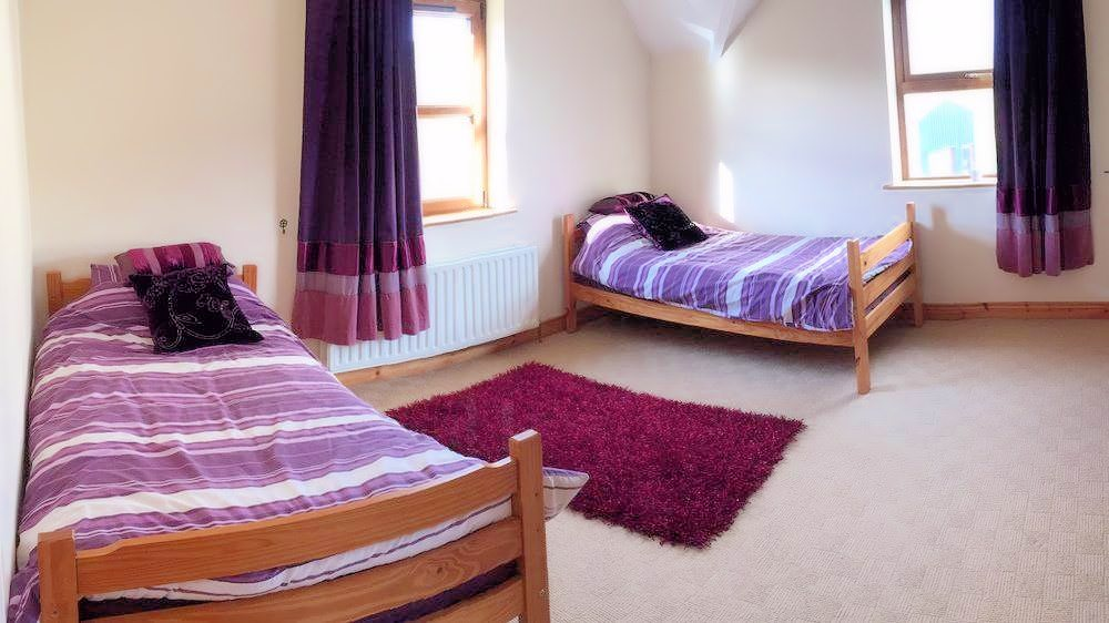 Twin bedroom - Crockaulin Drive Greencastle Inishowen