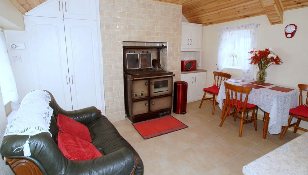 Brookside Traditional Cottage Inishowen - interior