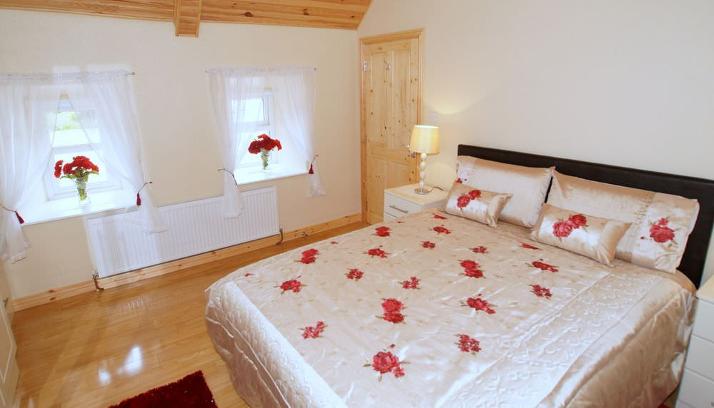 Brookside Traditional Cottage Inishowen - bedroom