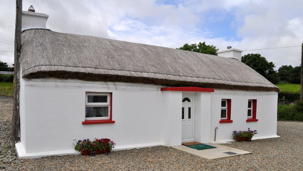 Brookside Traditional Cottage Inishowen - exterior