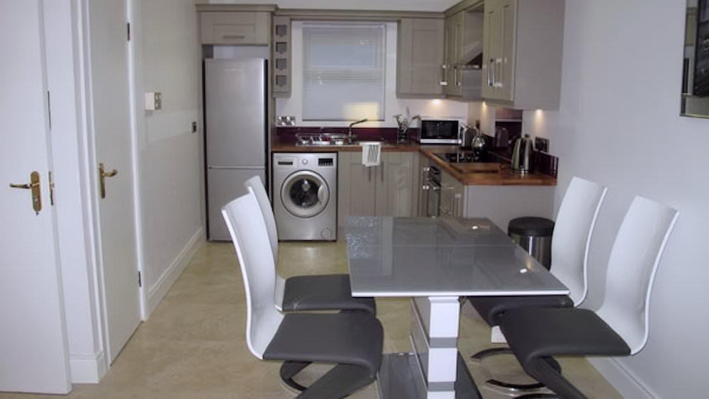 Burnside Park - Kitchen / Dining area
