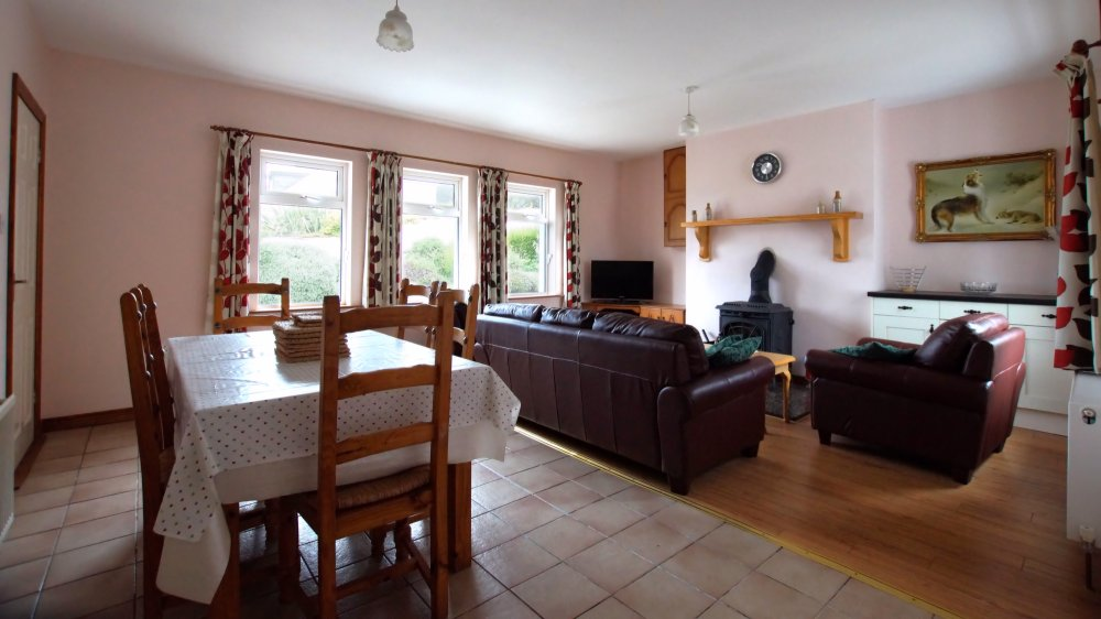 Carpenter's Holiday Home Ballyliffin - living area