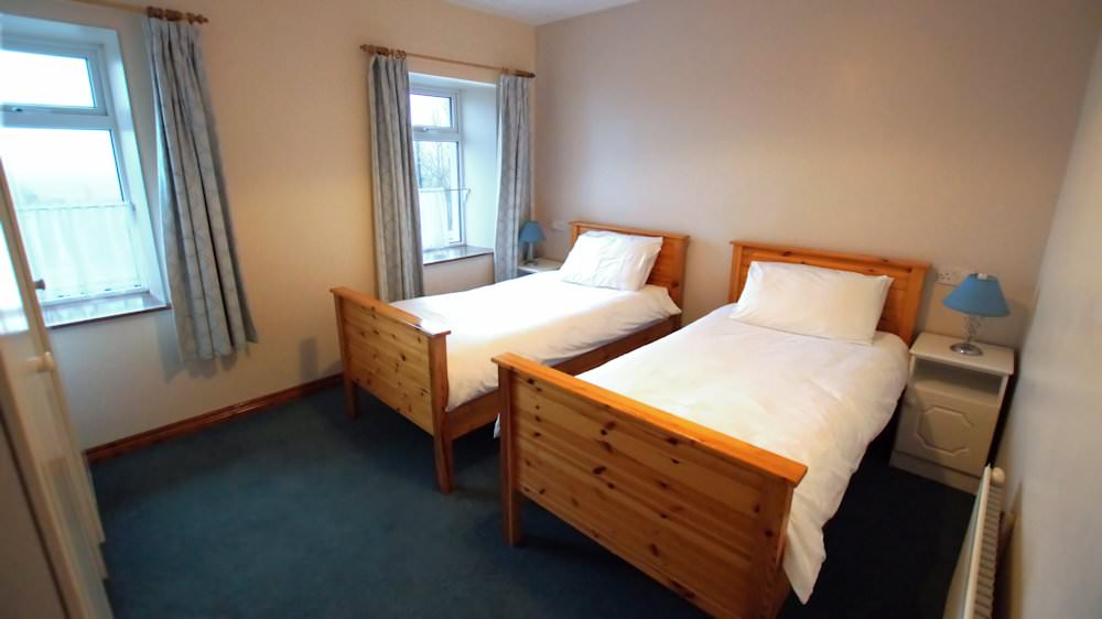 Carpenter's Holiday Home Ballyliffin -Twin Bedroom