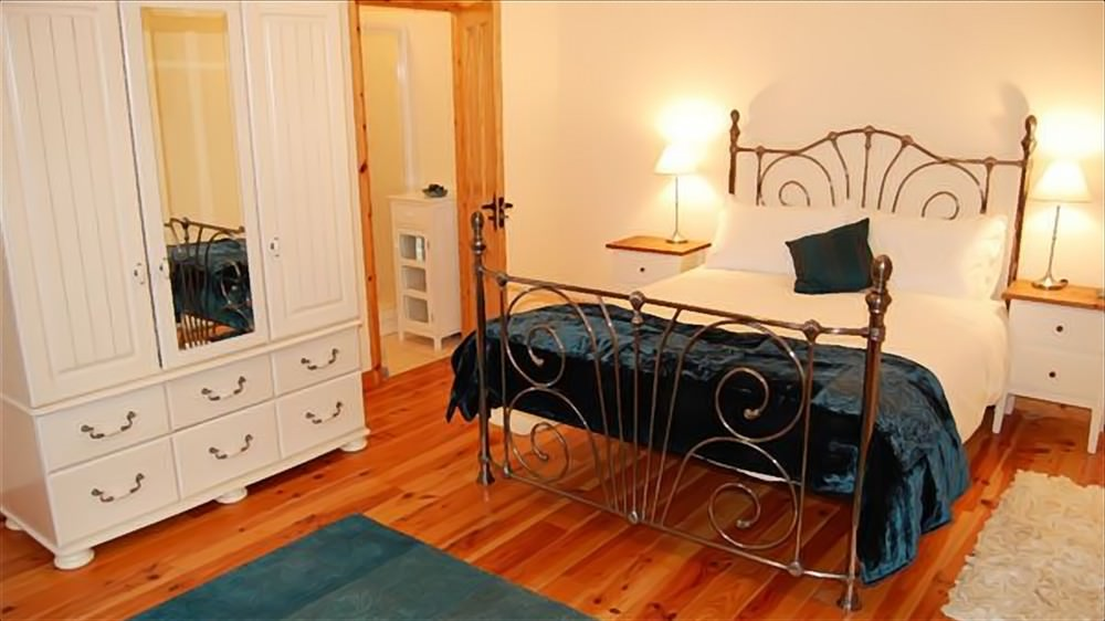 Double bedroom of Cruit Island Cottage