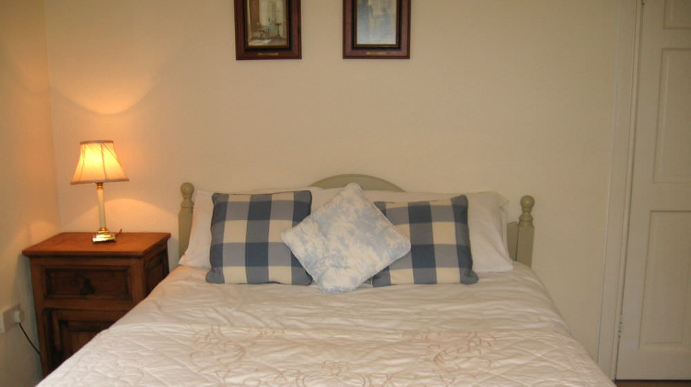 An Turas Holiday Cottage Portnoo - double bedroom