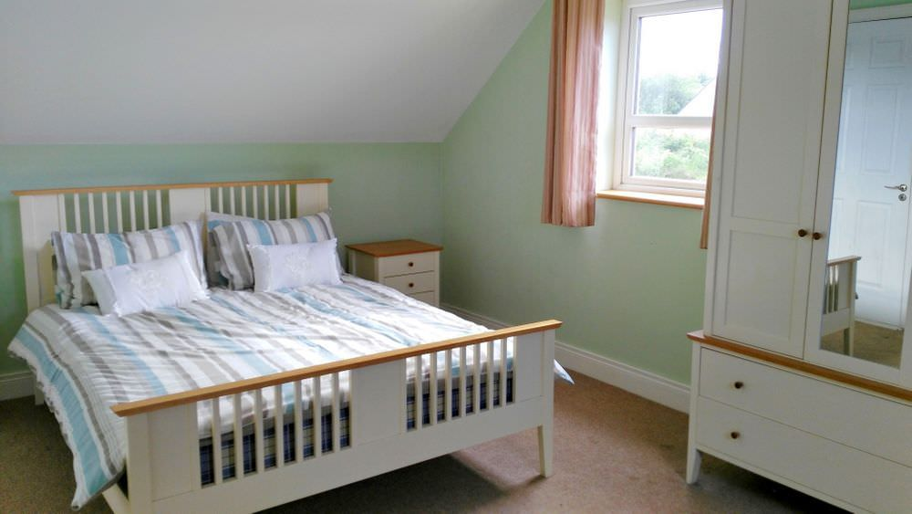 Loughfad Cottage Portnoo Donegal - double bedroom on the upper floor