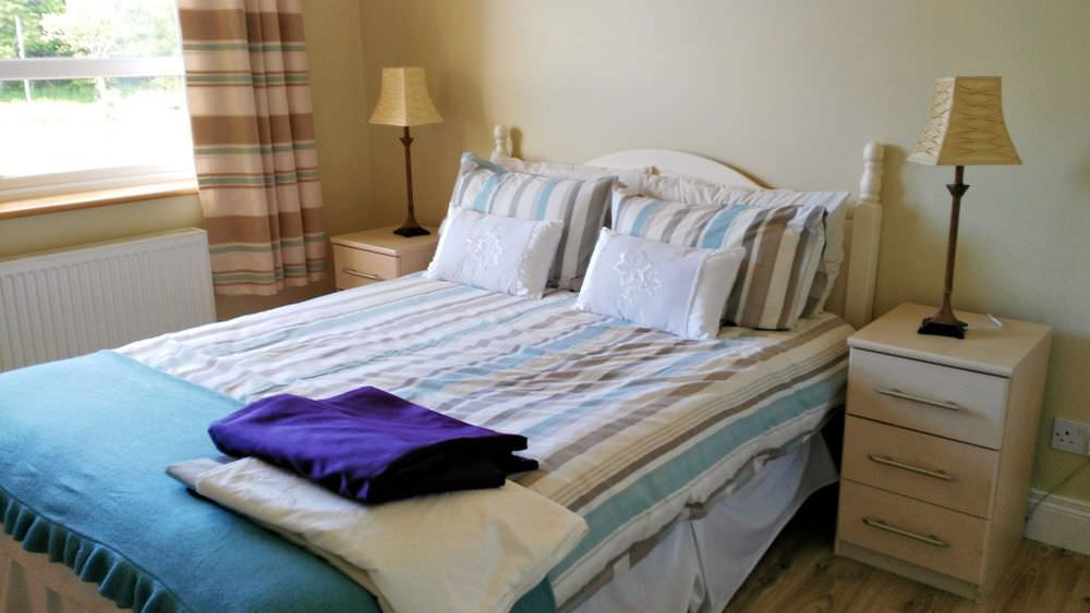 Loughfad Cottage Portnoo Donegal - double bedroom