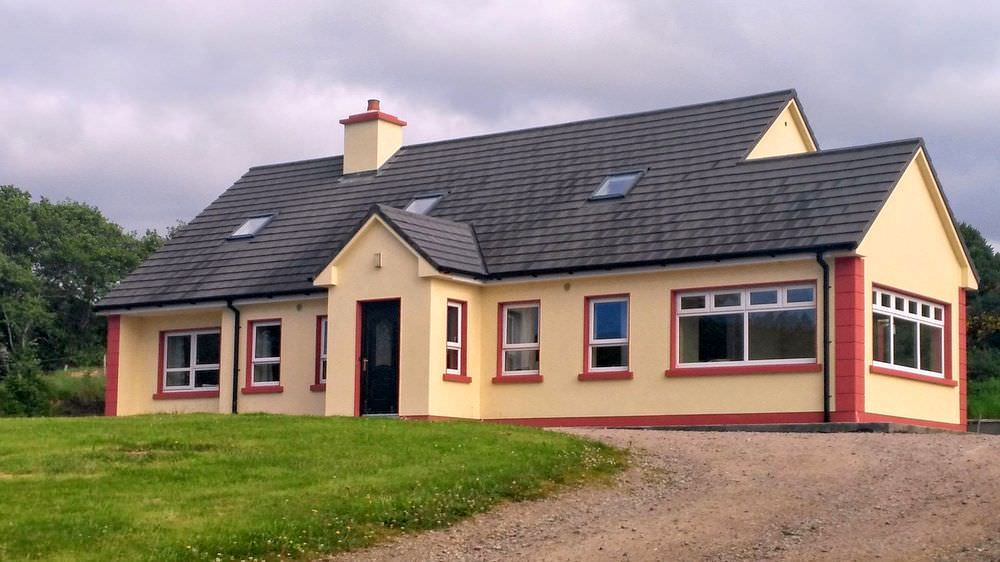 Loughfad Cottage Portnoo Donegal - front view