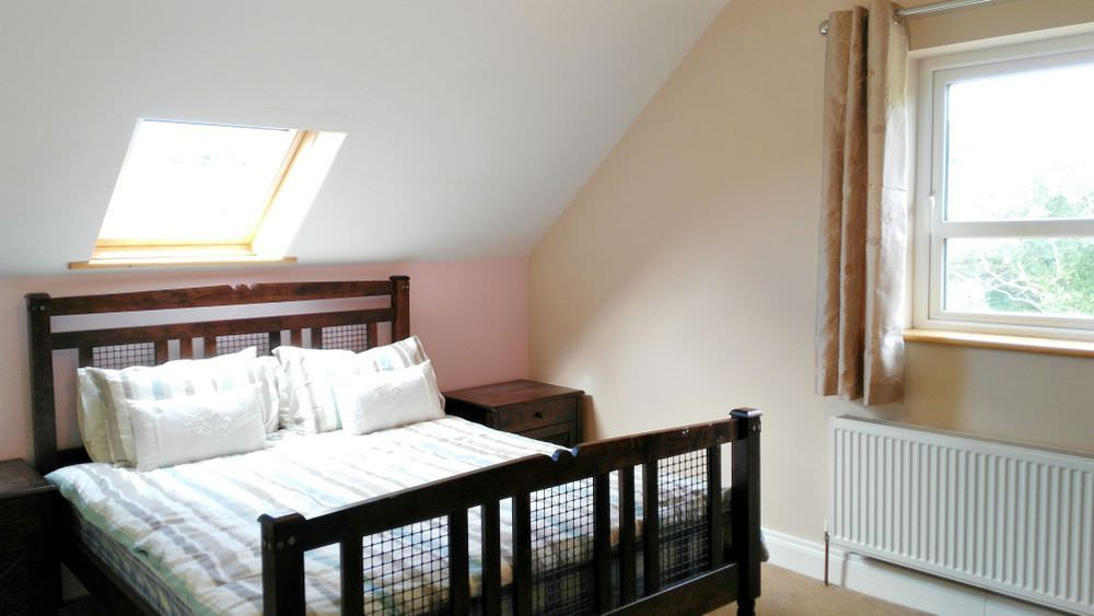 Loughfad Cottage Portnoo Donegal - upper floor double bedroom