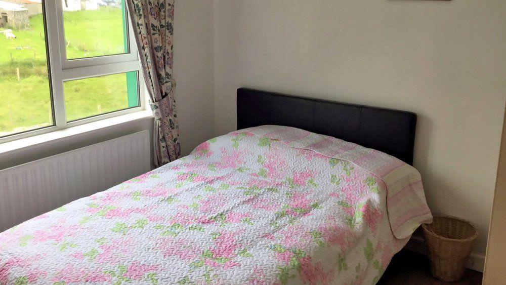 Teach Mhiley Dunlewey - bedroom