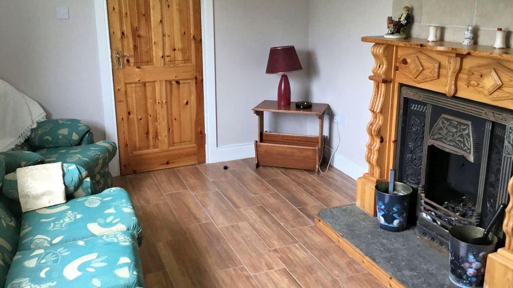 Teach Mhiley Dunlewey - living room
