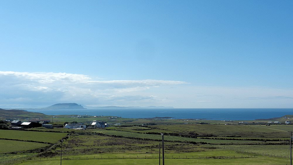 Teach Micheál at Malin Head - surrounding landscape