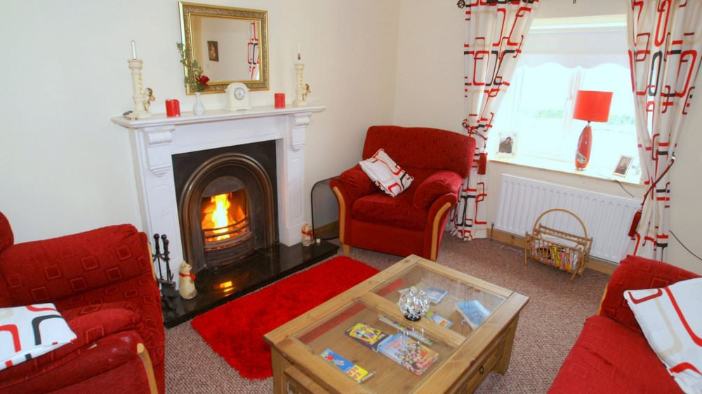 Mary Janes Cottage Ballyliffin - view of living room