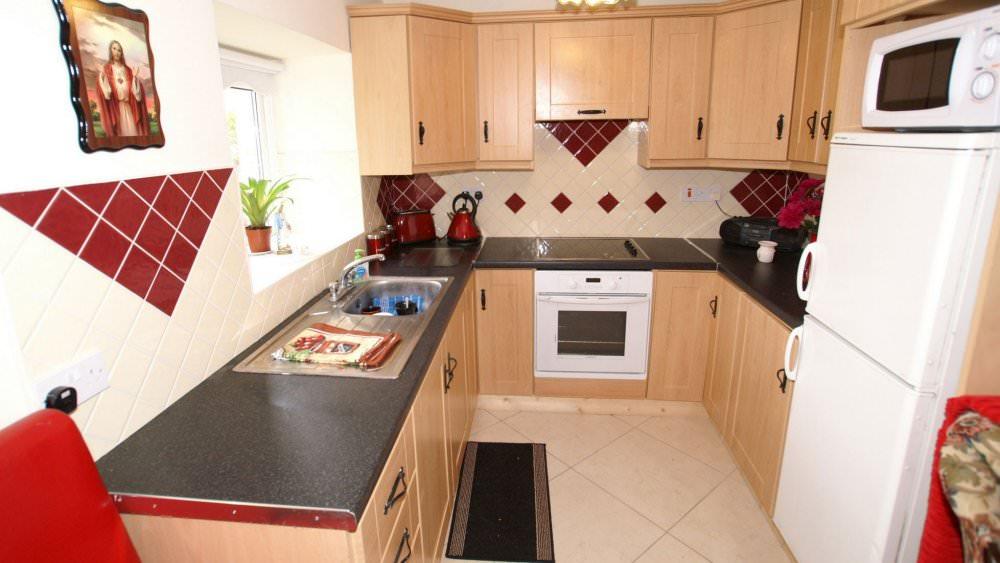 Mary Janes Cottage Ballyliffin - kitchen