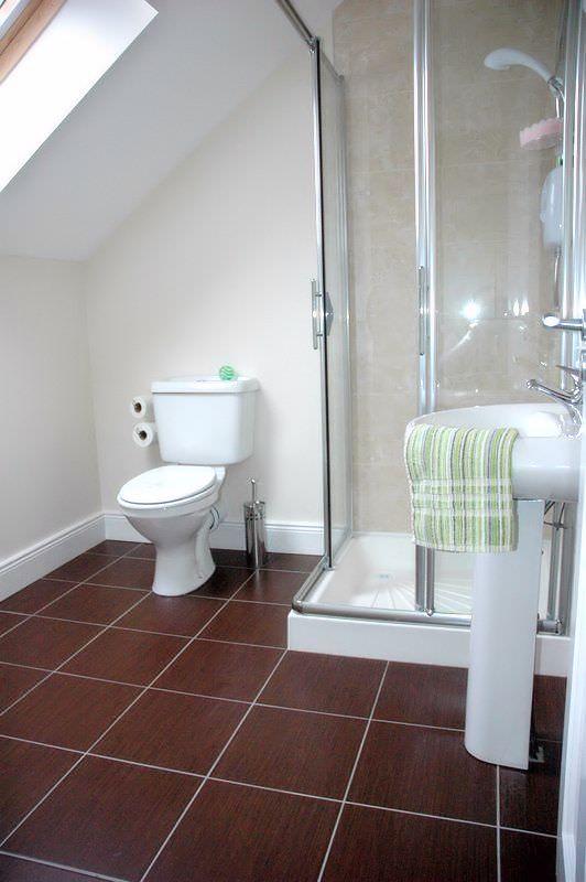 Brooke Cottages Portsalon - ensuite shower room