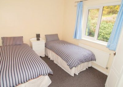 Anny Far and Near Rathmullan - twin bedroom on ground floor