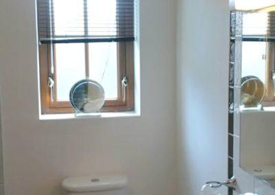 16 Aras Ui Dhomhnaill Milford - shower room