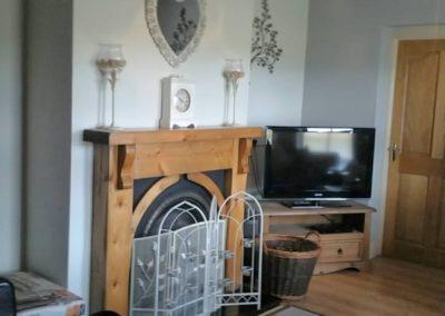 16 Aras Ui Dhomhnaill Milford - view of living room