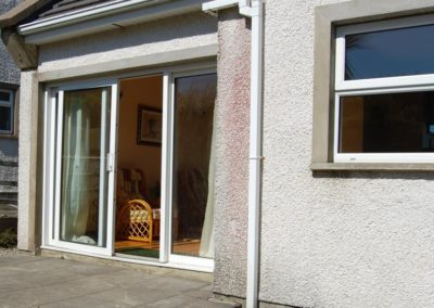 6 Glashedy View Ballyliffin - sunroom and patio area