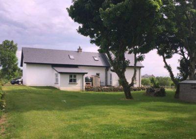 Coast View Cottage Ballyshannon - garden to rear of cottage