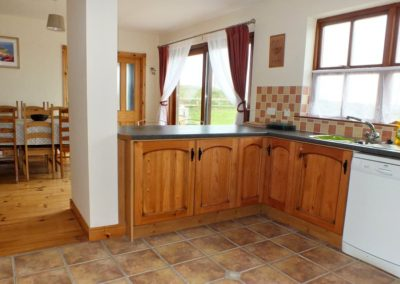 2 Seaview Downings - Kitchen and dining area