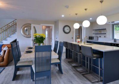 Pierview House Buncrana - kitchen area with breakfast bar