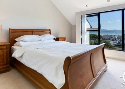 Upper floor double bedroom - The View Downings