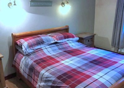 Farm Cottage Dunfanaghy - double bedroom 2