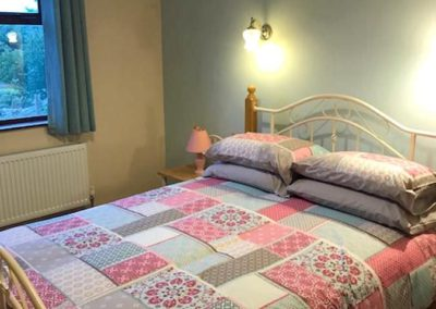 Farm Cottage Dunfanaghy - double bedroom