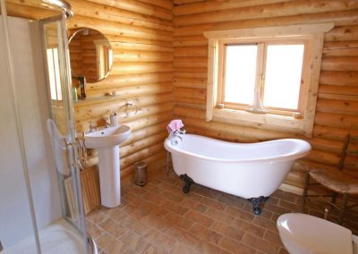 Bathroom of Inniskill Lodge Rathmullan
