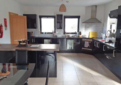 Lag Dubh Cottage - Cruit Island - Kitchen