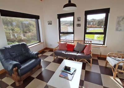 Lag Dubh Cottage - Cruit Island - Living area