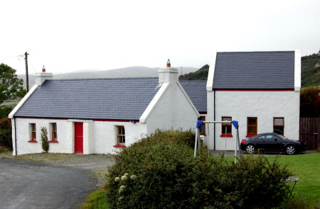 Traditional house design ireland house design for Traditional irish cottage designs